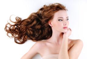 Γνωρίστε τις 5 σημαντικότερες τροφές για υγιή, πλούσια μαλλιά!