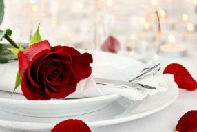 """Ο """"Βαλεντίνος"""" θέλει ρομαντισμό και αφροδισιακό μενού!"""