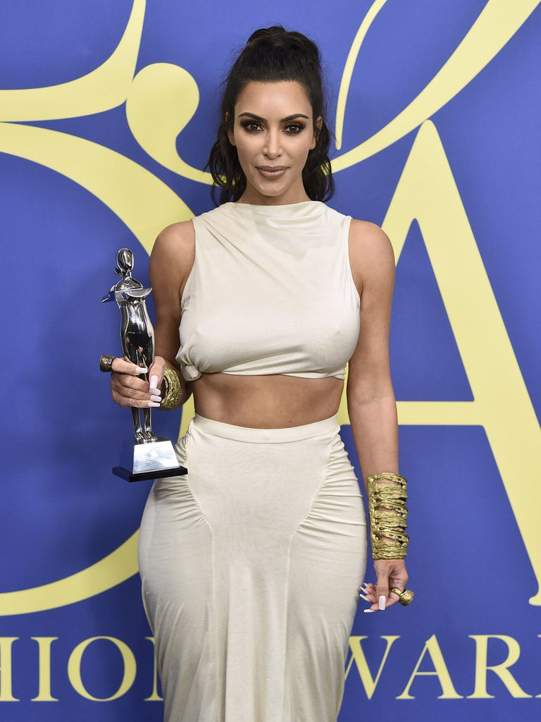 Fashion 2018 Kardashian 2 Jpg Kim Cfda Awards 4 gbf76yvY