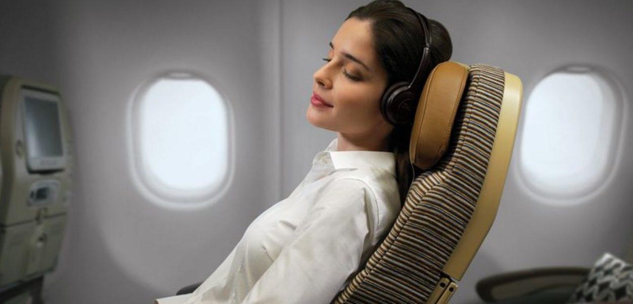10 τρόποι για να είσαι όμορφη και μεσ' το αεροπλάνο!