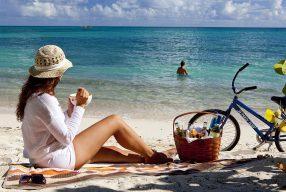 Tips διατροφής για να μην πάρεις κιλά στις διακοπές