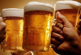 Beer… o'clock, σημαίνει ώρα για μπύρα!